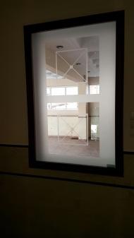 Πόρτα με σχέδιο Αμμοβολής. Προσαρμοσμένο σχέδιο πόρτας σε τζάμι αμμοβολής.