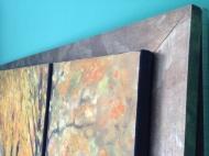 Σε ξύλινη φαρδιά κορνίζα μπρονζέ-καφέ παραλλαγή, Εξωτερική Διάσταση: Πλάτος: 2,00 μ Χ Ύψος: 80, διπλή πλαϊνή ανάρτηση με θηλιές βαρέου τύπου, 1.300€